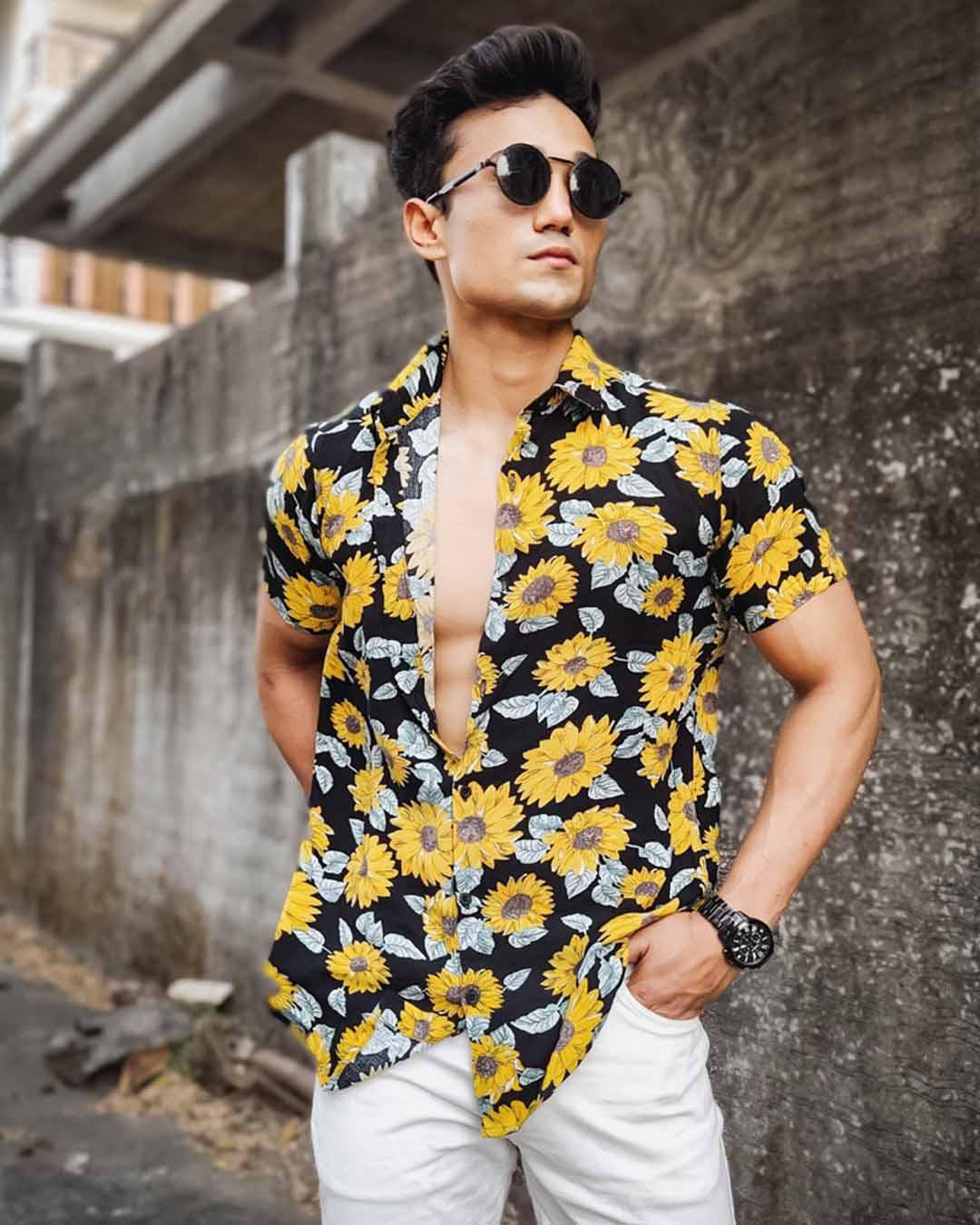 ShopBlack Sunflower Print Half Sleeves Shirt-Back