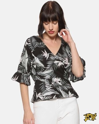 Shop Campus Sutra Black Floral Casual Top-Front