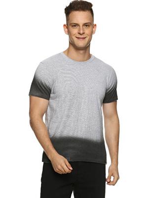 Shop Campus Sutra Solid Men Round Neck Cream T-Shirt-Front