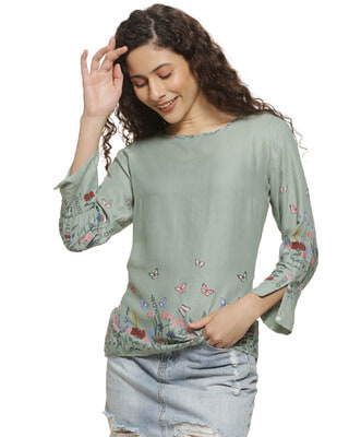 Shop Campus Sutra Women Floral Print Casual Top-Front