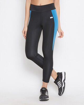 Shop Clovia Snug Fit Active Ankle-Length Colourblock Tights In Black-Front