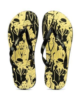 Shop Freetoes Family Black Flip Flops For Mens-Front