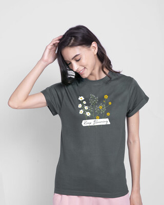 Shop Keep Blooming Flowers Boyfriend T-Shirt Nimbus Grey-Front