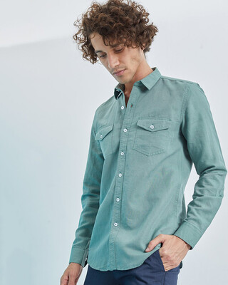 Shop Snitch Green Double Pocket Cotlin Shirt-Front