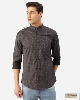 Shop Style Quotient Men Charcoal Grey & Blue Paisley Print Smart Shirt-Front
