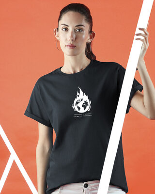 Shop The World Is Burning  Boyfriend T-Shirts Black-Front