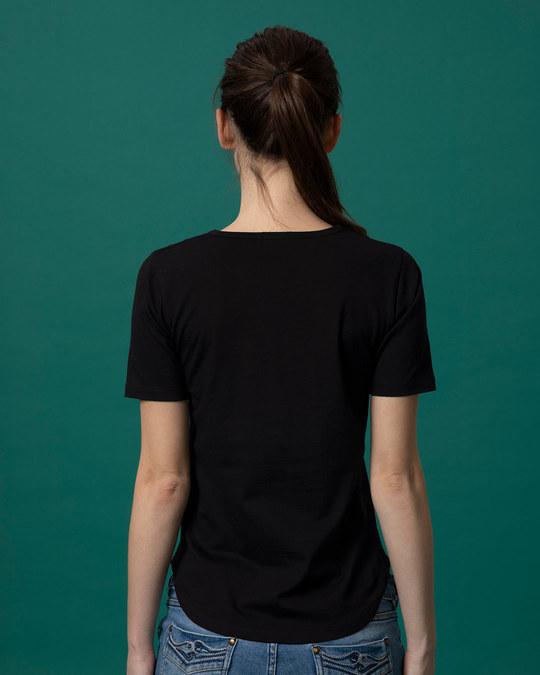 Shop Ayushyawar Bolu Kahi Basic Round Hem T-Shirt-Full