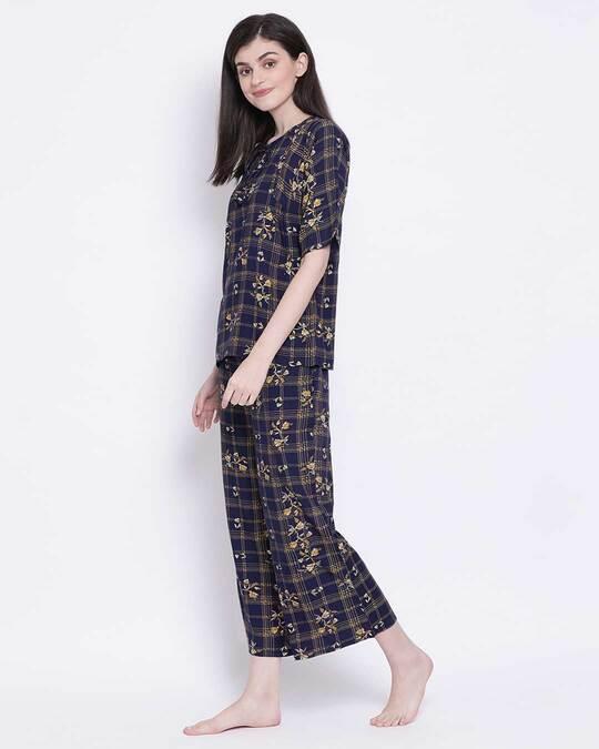 Shop Clovia Rayon Printed Top & Pyjama Set-Back