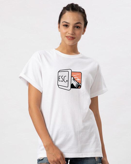 Shop Esc Boyfriend T-Shirt-Front