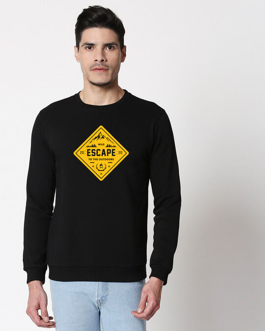 Shop Escape to outdoors Fleece Sweater Black-Front