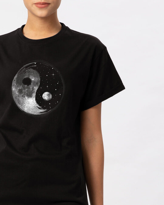 Shop Moon And Stars Yin Yang Boyfriend T-Shirt-Front