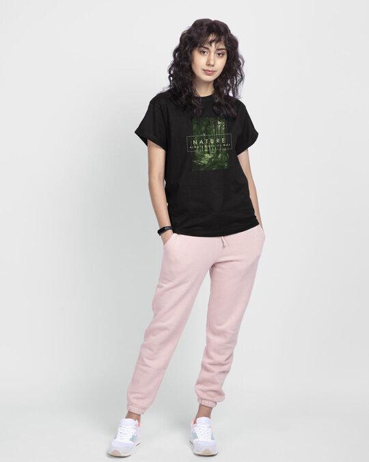 Shop Nature Finds Its Way Boyfriend T-Shirt Black-Design