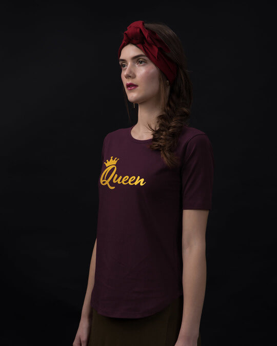 Shop Queen Gold Print Basic Round Hem T-Shirt-Back