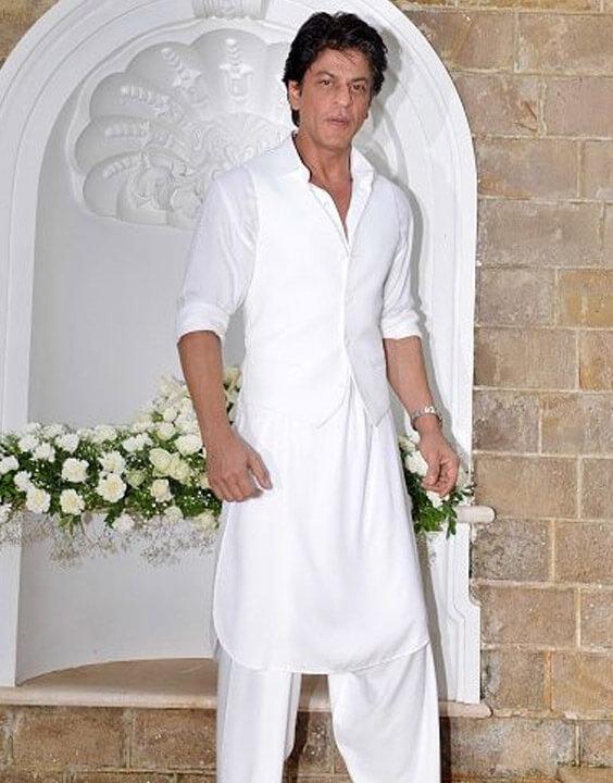 Sharukh Khan in White Kurta Pajamas | Bewakoof Blog