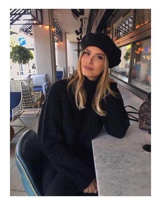 The Beret - Types Of Hats For Women | Bewakoof Blog