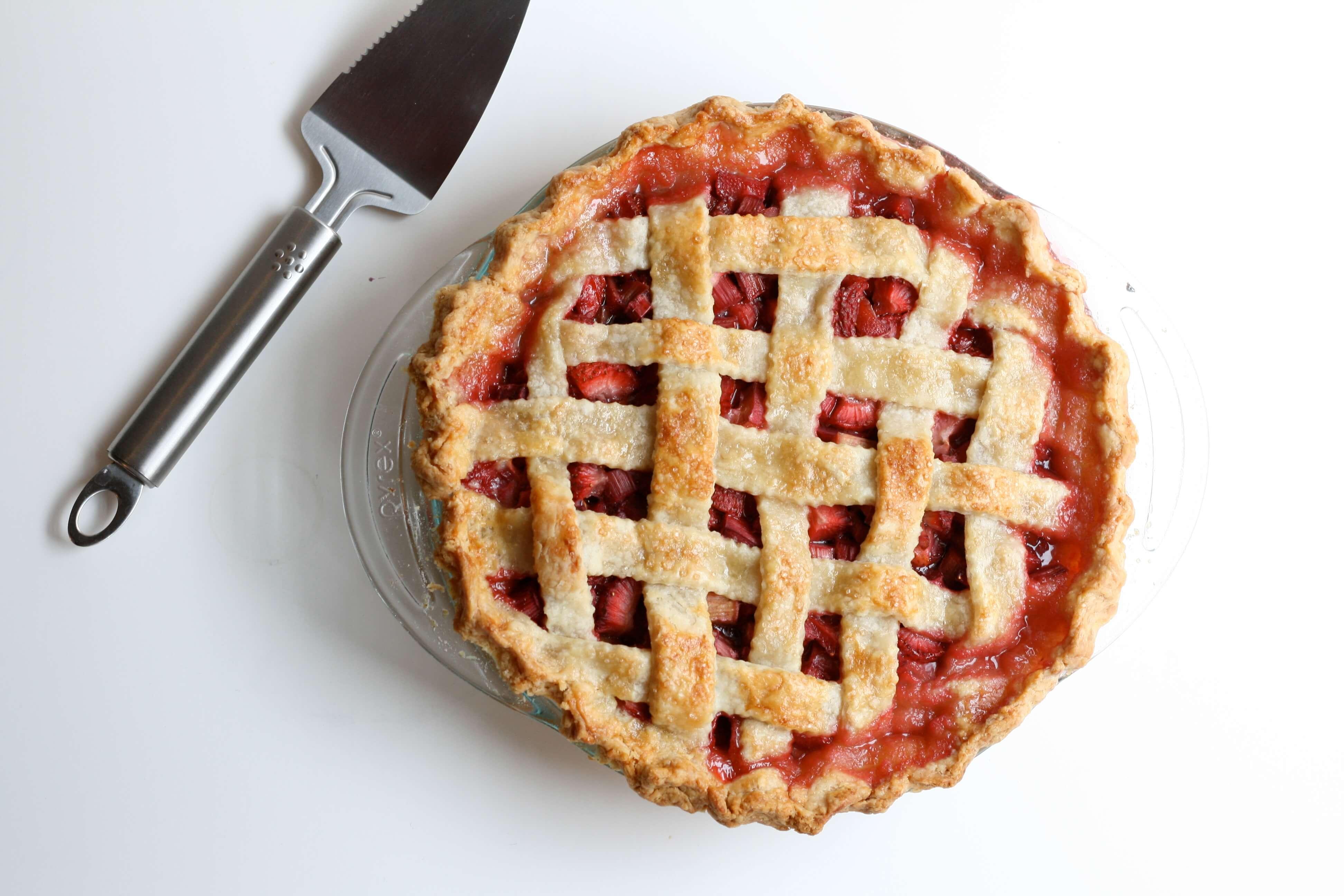 7 Strawberry rhubarb pie