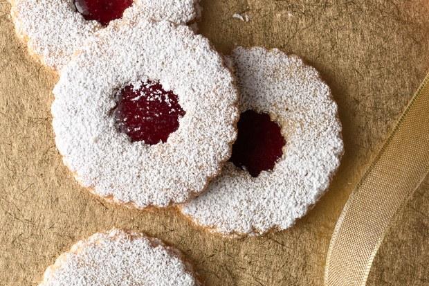 8 Raspberry cookies