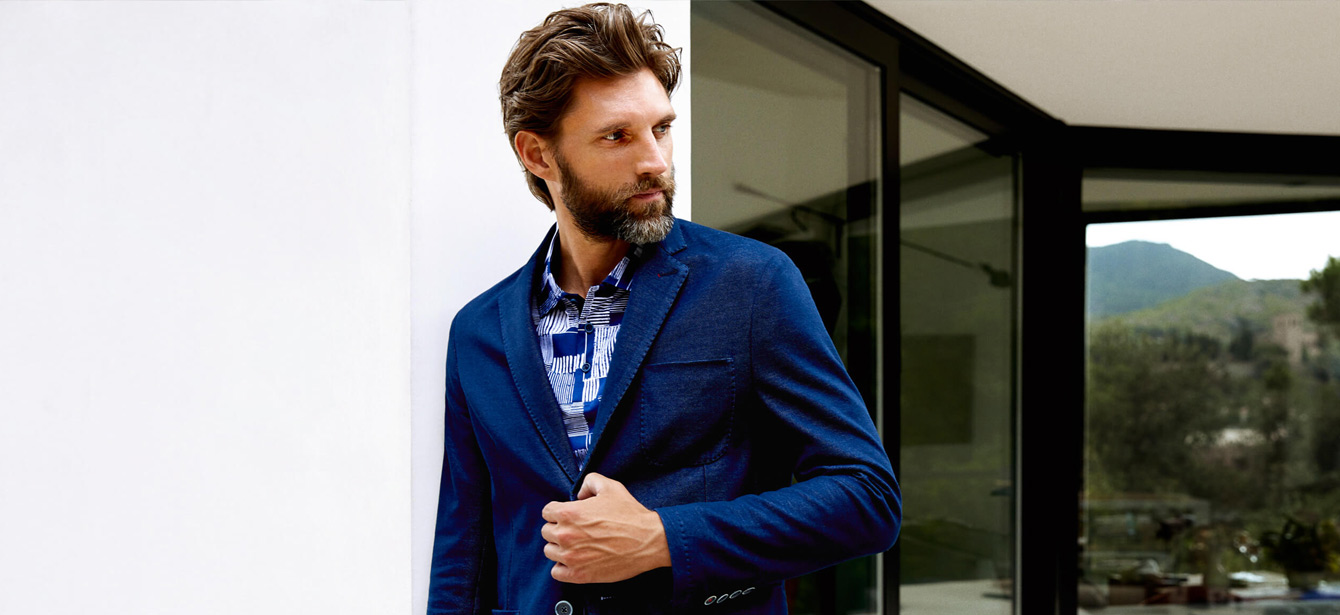 29ee495a6 7 Navy Blue Blazer Combination & Blue Blazer Styles | Bewakoof Blog