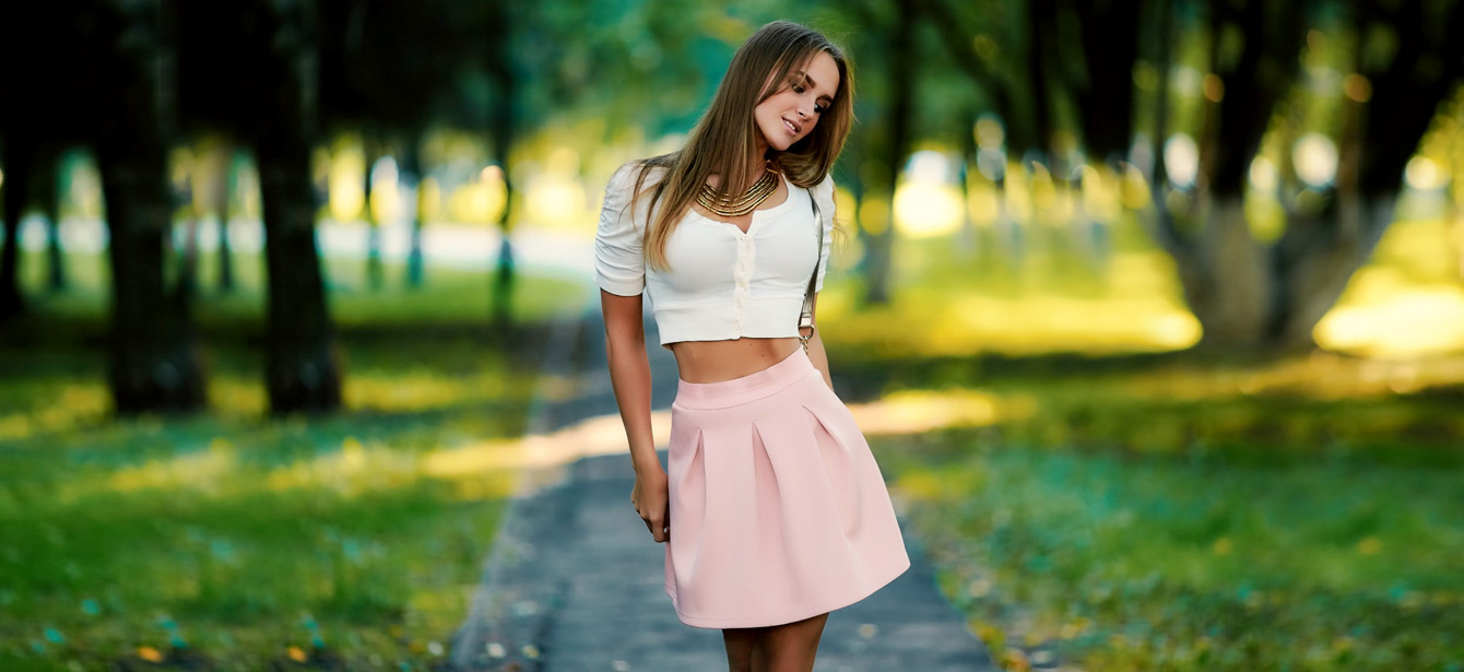 004d3b0799 How to Pair Crop Top with Skirt - 7 Crop tops and Skirts combinations