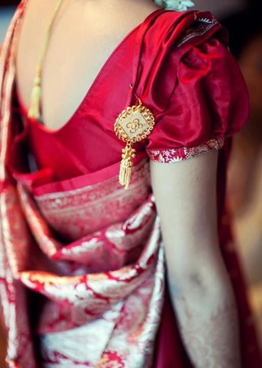 How To Drape Bengali Saree & Types of Bengali Saree Designs
