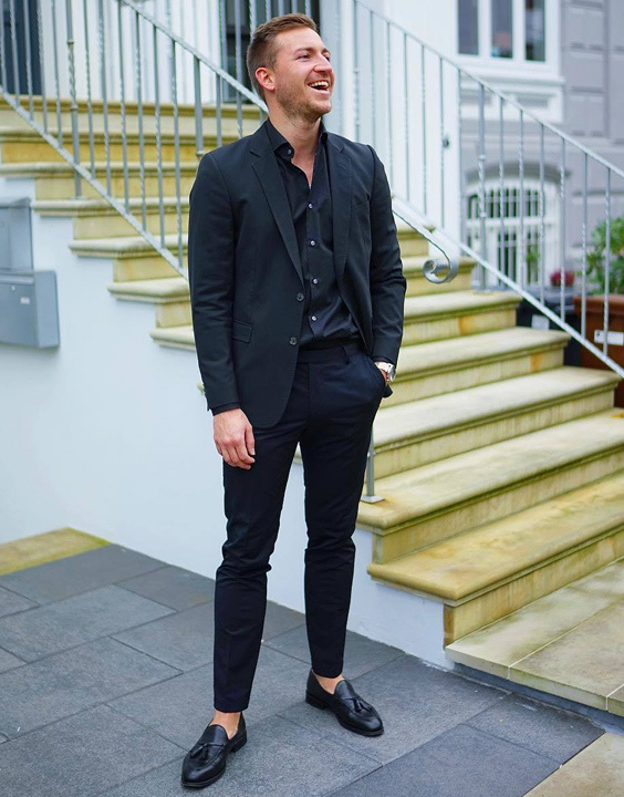 Black Blazer With Black Shirt - Bewakoof Blog