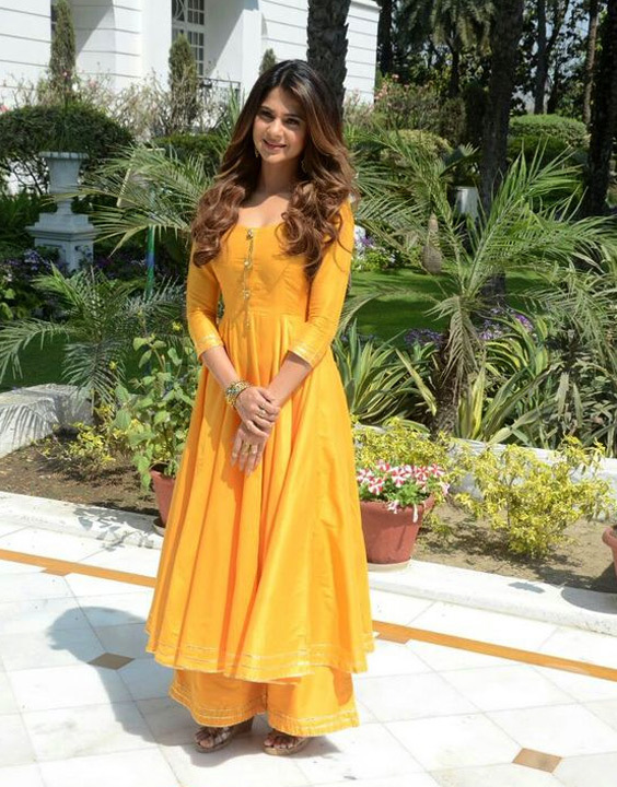 Jennifer Winget in salwar kameez - Bewakoof Blog
