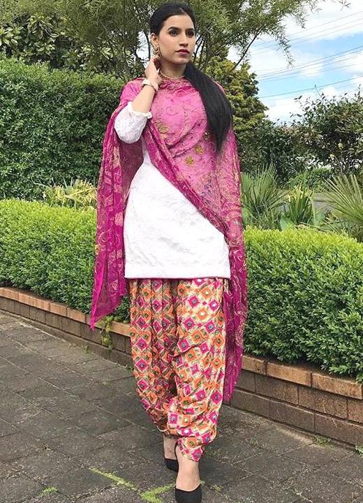 Printed salwars - Types of Salwar Pants - Bewakoof Blog