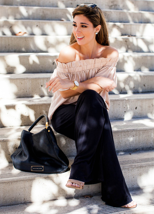 e60e1ded23 Tips & Outfit Ideas on How To Wear Should Top - Bewakoof Blog