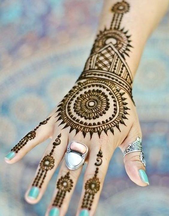 Indo Western Mehndi Design - Bewakoof Blog