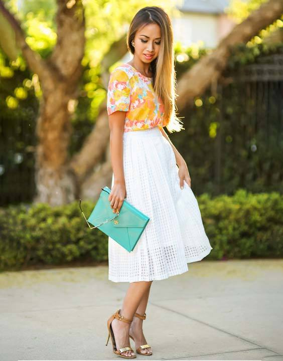 d38e20f68ad Live the best of summer fashion women in a skirt!