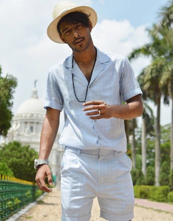 For Road Trips - Ways To Style Mens' Two Piece Outfits | Bewakoof Blog