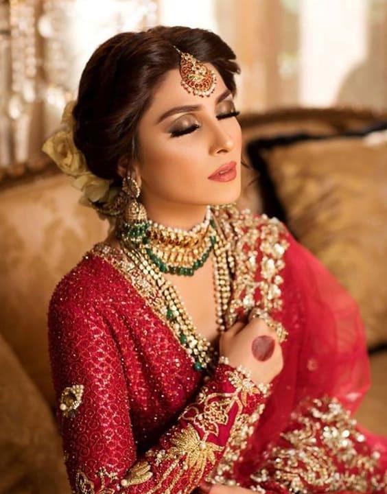 Bengali Brides Hairstyle - Bengali Bride look - Bewakoof Blog