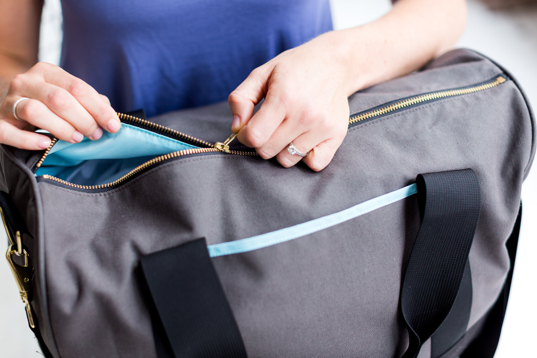 Gym essentials 7 things you should always have in your gym bag
