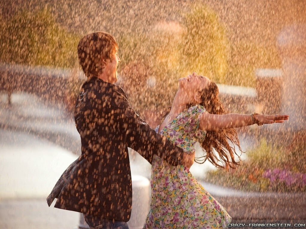 Romance In Rains – 9 Rainy Day Ideas For A Date
