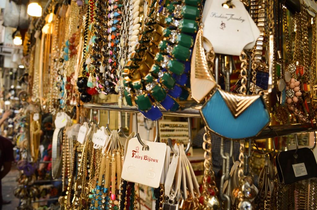 Shop till you drop 7 street shopping areas in mumbai you must shop at