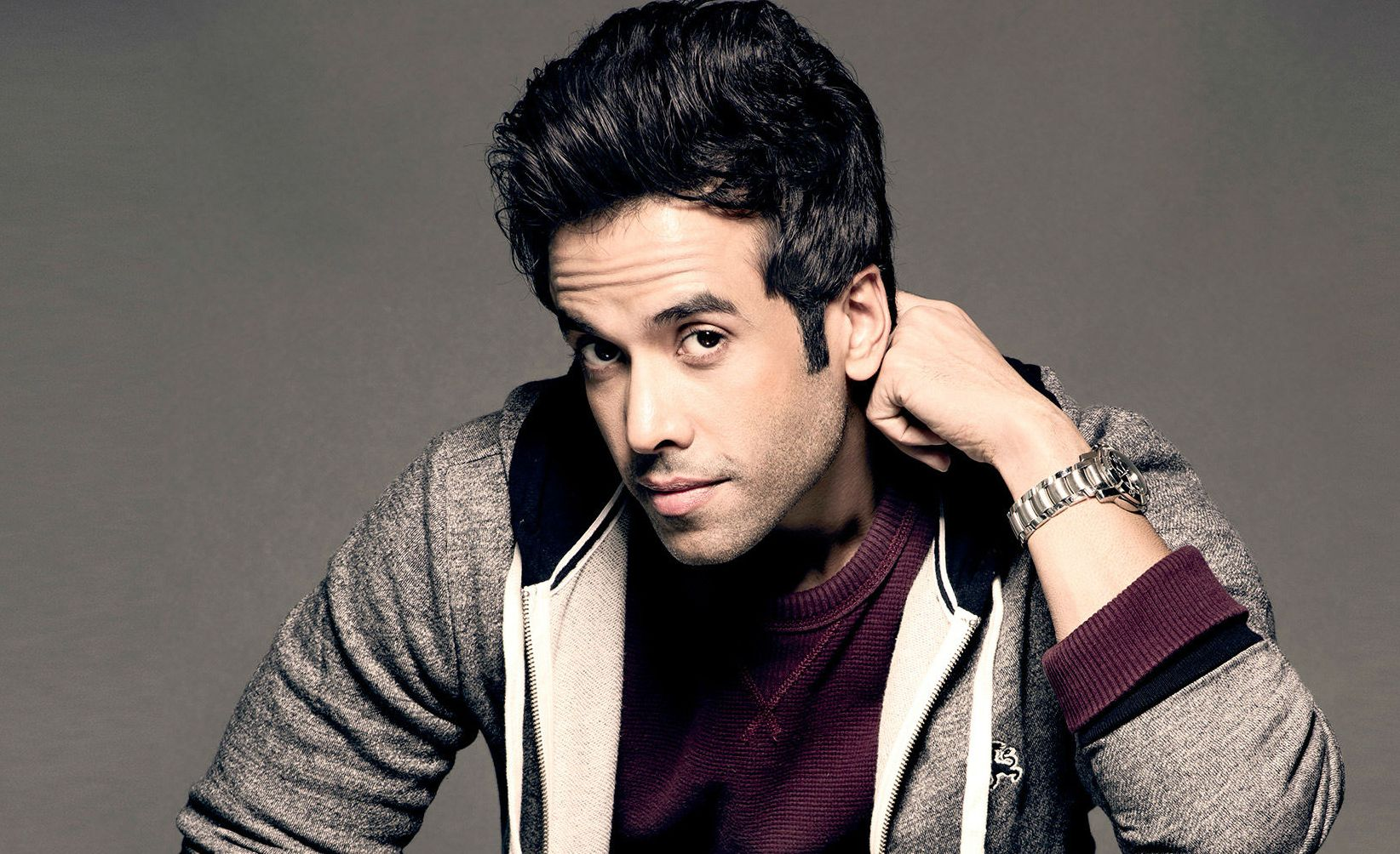 Tusshar kapoor is a father 7 of his other achievements that gave us major life goals