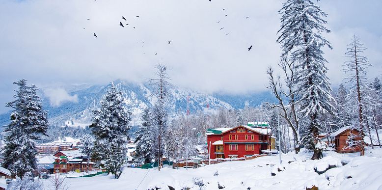 Want to beat the heat rush to these 7 places in india where it is still snowing