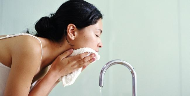 Wash it off you dont want these 7 unwashed face problems
