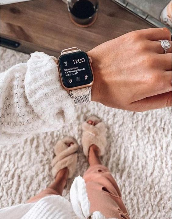 The Apple Functionalist - Best Watch Brands in India | Bewakoof Blog
