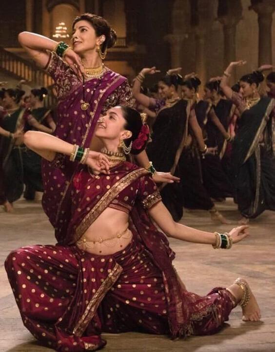 Nauvari Saree Draping Style - Bewakoof Blog
