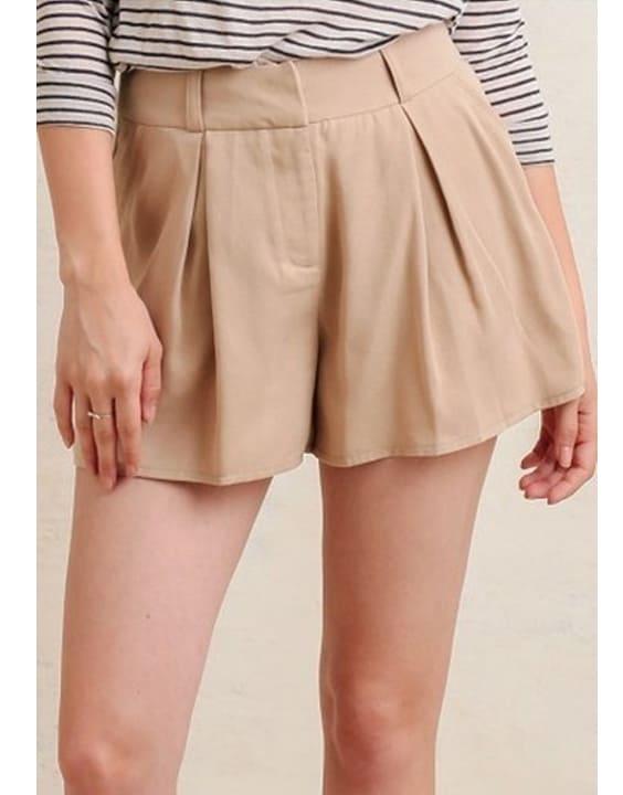 Pleated Shorts - 12 Types of Shorts for Women & Girls | Bewakoof Blog